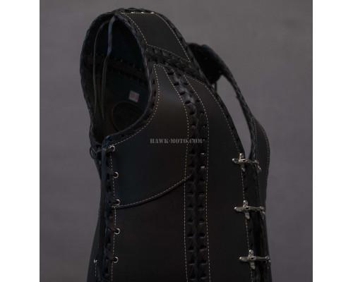 Жилет кожаный женский (с плетением, черный)